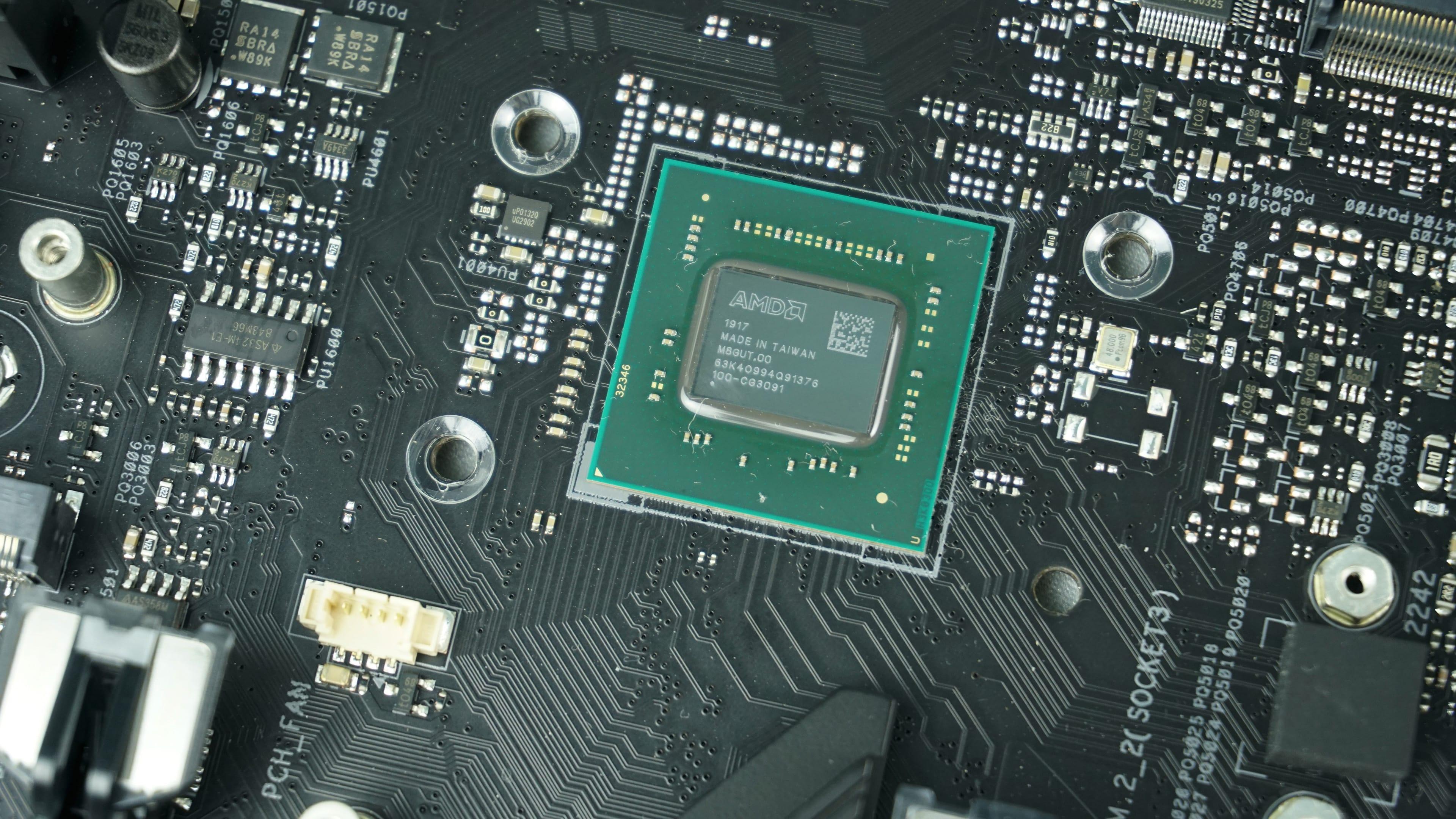 Desky s AMD B550 budou v půli června/júna, odhalení za měsíc - HWCooling.net
